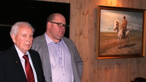 Guðmundur Ólafsson og Hjörtur Bergstað við vígslu Guðmundarstofu 2013