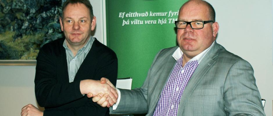 Þórir Örn Grétarsson hjá TM og formaður Fáks, Hjörtur Bergstað
